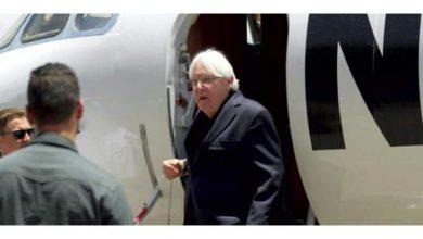 صورة في أول زيارة له منذ توقيع اتفاق السويد .. غريفيث يصل إلى الحديدة