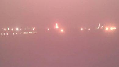 صورة الدفاع المدني يسيطر على حريق المصافي وإدارة أمن عدن تشكل لجنة للتحقيق في الحادث
