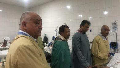 صورة لملس والوالي يزوران اللواءين الزنداني وطماح وعدد من القيادات العسكرية والضباط والجنود في مستشفيات العاصمة عدن