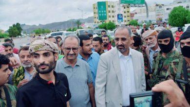 صورة الرئيس الزبيدي يشارك أبناء العاصمة عدن احتفالات الذكرى الرابعة لتحريرها