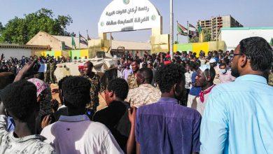 صورة الجيش يدعو السودانيين للابتعاد عن الأماكن العسكرية