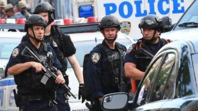 صورة الشرطة الأمريكية تلقي القبض على أكثر من عشرين يمنيا بتهمة التهريب