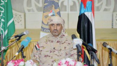 صورة إجتماع عسكري طارئ يعقده الرئيس عيدروس الزبيدي مع قادة القوات المسلحة الجنوبية 