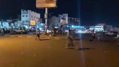 صورة في أول ساعات الحظر اغلاق العاصمة عدن ومنع التنقل بين مديرياتها