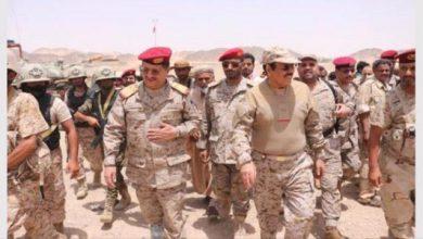 صورة بالأسماء.. قيادات عسكرية شمالية ترفض أوامر الأحمر القتال في أبين وتحمل الإخوان أي محاولة لتصفيتهم