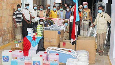 صورة انتقالي الشحر يدشن توزيع الدعم المقدم من دولة الإمارات لمستشفى المديرية ومراكزها الصحية