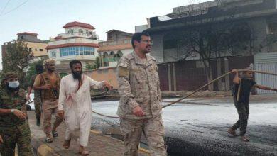 صورة عدن.. جهود كبيرة لقيادة الدعم والإسناد في اخماد الحريق الذي وقع بالقرب من مبنى صحيفة عدن24″ في ريمي