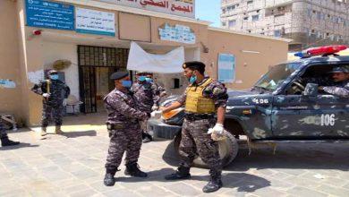 صورة بن عفيف يطلع على الجاهزية الأمنية في المنشآت الحكومية بالعاصمة عدن
