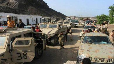 صورة استعدادات لعملية عسكرية كبرى.. وصول تعزيزات ضخمة من القوات الجنوبية إلى الشيخ سالم في أبين