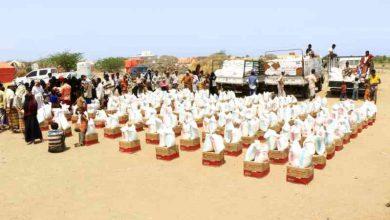 صورة الإمارات تقدم 40 طناً من المساعدات الغذائية لأهالي الخوخة