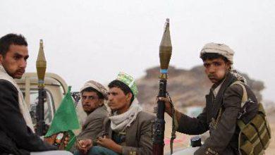 صورة بعد الخسائر التي منيت بها .. ميليشيا الحوثي ترسل تعزيزات عسكرية إلى جبهة الضالع