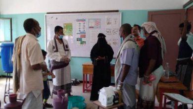 صورة لحج..انتقالي المسيمير يوزع أدوات نظافة على طلاب المدارس في المديرية