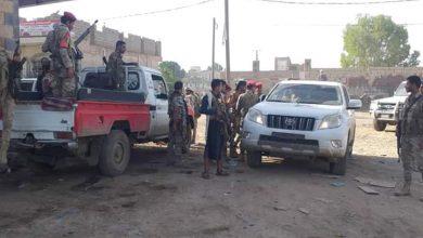 صورة تعز.. مليشيا الإصلاح اليمني تعتدي على مختل عقليا في التربة