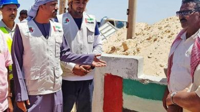 """صورة ضمن مبادرة """"حملة سقيا"""".. خليفة الإنسانية تدفع بصهاريج مياه غربي سقطرى"""
