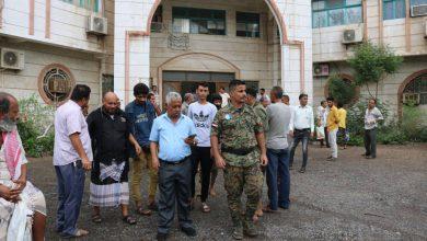 صورة مدير الشيخ عثمان يتفقد محطة الملعب 22 مايو وقسم الطوارئ للمنطقة الثانية لمؤسسة الكهرباء عدن