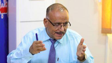 صورة رئيس اللجنة الاقتصادية العُليا للمجلس الانتقالي الجنوبي يكشف أسباب عرقلة صرف مرتبات العسكريين والأمنيين