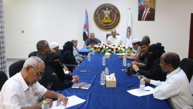 صورة الجعدي يناقش مع نقابة المعلمين الجنوبيين معوقات تدشين العام الدراسي الجديد