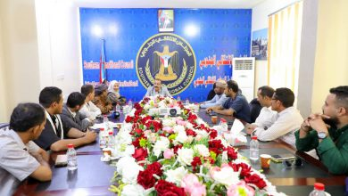 صورة اللواء بن بريك يلتقي رؤساء وأعضاء الجاليات الجنوبية في عدد من الدول العربية