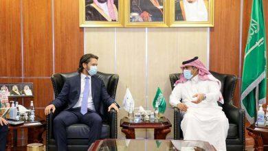 صورة السفير السعودي ال جابر يناقش مع نائب سفير المملكة المتحدة أهمية تنفيذ اتفاق الرياض