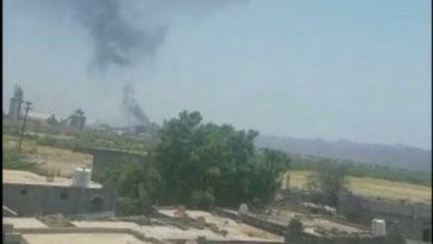 صورة أبين .. انفجار ضخم في محطة غار بالقرب من مصنع إسمنت الوحدة (فيديو)