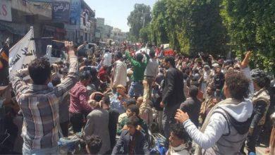 صورة صنعاء.. تظاهرة غاضبة تطالب بالقصاص من قتلة الشاب الأغبري