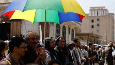 صورة مليشيا الحوثي تقايض المواطنين بالتبرع للجبهات مقابل الحصول على أسطوانة غاز