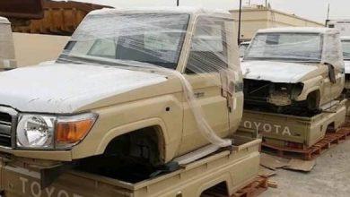 صورة من دعم التحالف.. قيادات إخوانية في تعز تبيع 10 أطقم عسكرية لمليشيات الحوثي