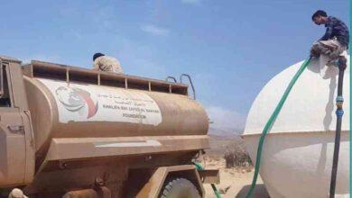 صورة خليفة الإنسانية تواصل إمداد مناطق غرب سقطرى بالمياه
