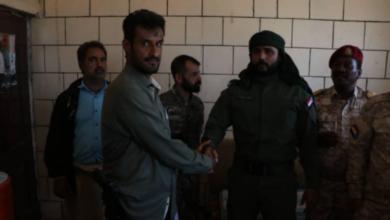 صورة استلام وتسليم .. قائد الحزام الأمني الجديد بلحج يستلم مهامه رسميا