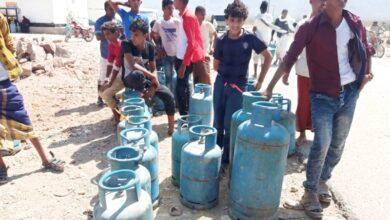 """صورة """"خليفة الإنسانية"""" تلبي احيتاجات سكان سقطرى من الغاز والمياه"""
