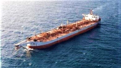 صورة من #قنبلة عائمة إلى خردة حديد.. عرض حكومي لبيع #سفينة_صافر  بـ 10 ملايين دولار