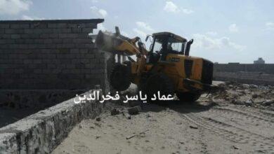 صورة خور مكسر .. حملة أمنية لإزالة التعديات والبناء على أراضي الدولة والمواطنين