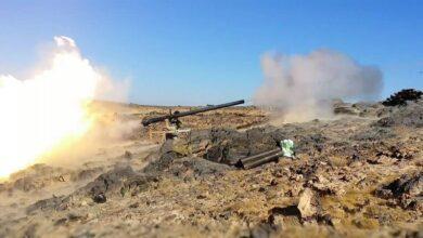 صورة #البيضاء.. المقاومة الشعبية تقصف مواقع للحوثيين وسقوط قتلى وجرحى