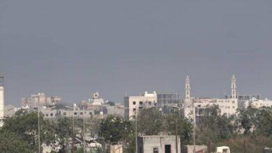 صورة بعد ساعات من زيارة #البعثة_الأممية لحيس.. مليشيا #الحوثي تجدد خروقاتها بالحديدة