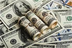 صورة عدن.. جمعية الصرافين توقّف كافة عمليات بيع وشراء العملات الأجنبية