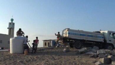 """صورة """"العمالقة"""" تطبّع حياة النازحين في منطقة الشيخ سالم بأبين"""
