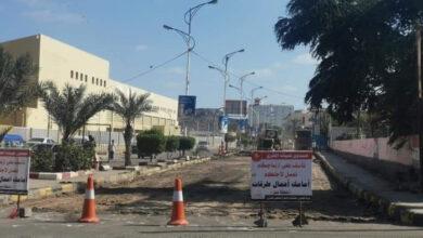 صورة تدشين أعمال سفلتة شارع صيرة بالعاصمة عدن