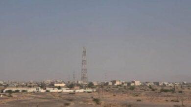 صورة الحديدة .. ابطال عبوة ناسفة زرعتها مليشيا الحوثي بالقرب من مخيم للنازحين في الدريهمي