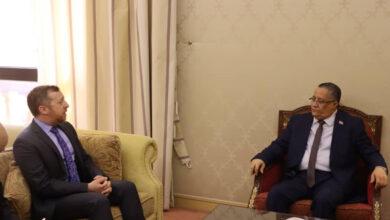 صورة الخبجي يستقبل نائب السفير الأمريكي بالإنابة