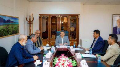 صورة في اجتماع برئاسة المحافظ لملس.. إقرار تخصيص مخططات سكنية لأسر #الشهداء و #الجرحى