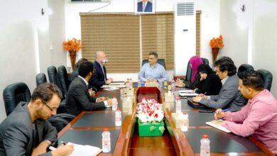 """صورة #عدن.. لملس يناقش مع مدير منظمة """"الاوتشا"""" سُبل التنسيق بين السلطة المحلية والمنظمات الدولية"""