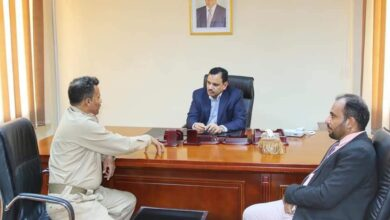 صورة وزير الزراعة والثروة السمكية يناقش مع محافظ أبين مشروع سد حسان الممول من صندوق أبو ظبي