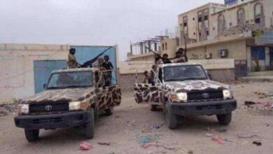 صورة اعتقال عناصر من تنظيم القاعدة وضبط متفجرات في عملية أمنية بحضرموت