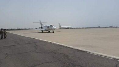 صورة وصول المبعوث الأممي إلى العاصمة عدن لإجراء مباحثات مع حكومة المناصفة
