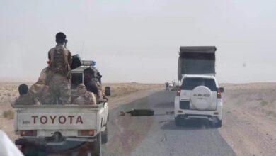 صورة قائد لواء #طوق_عدن يزور النقاط الأمنية المحيطة بالعاصمة ويشدد على ضرورة رفع اليقظة الأمنية