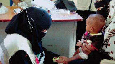 صورة عيادات الإمارات المتنقلة تواصل تقديم الرعاية الصحية لسكان المناطق النائية بحضرموت