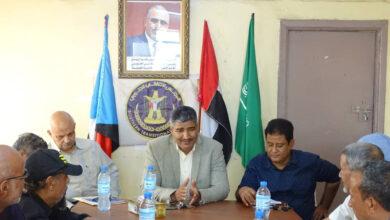 صورة نزار هيثم يواصل زياراته الميدانية للمديريات ويلتقي أعضاء تنفيذية انتقالي المعلا