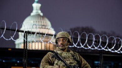 صورة تأهبا لتنصيب بايدن.. واشنطن تتحول لثكنة عسكرية ومعالم شهيرة تغلق