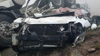 صورة حضرموت.. مصرع وإصابة 12 شخص في حادث مروع على طريق بين الشحر والحامي