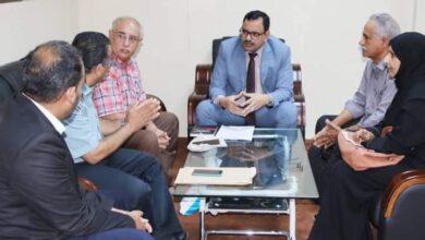 صورة السقطري يوجه بتشكيل لجنة للنظر في مطالب عمال مصنع أشباك الجابيون